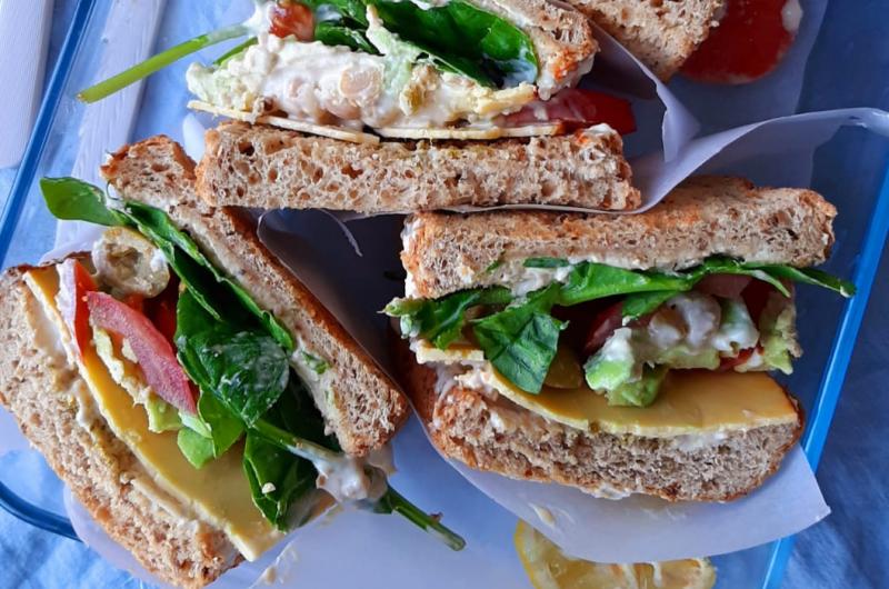 Sándwich de atún vegetal